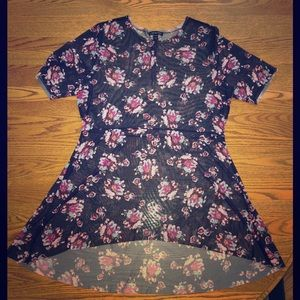 Floral mesh tunic size 14/16 NWOT